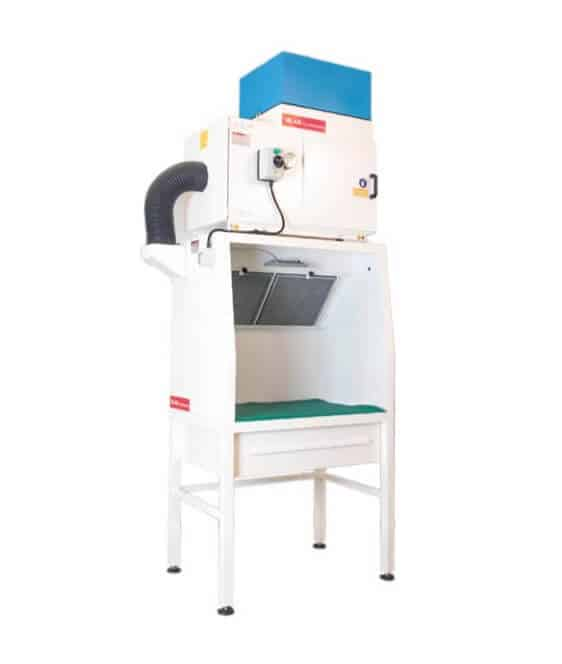 AR Filtrazioni Case History Portfolio Filtrazione Nebbie Oleose Suction work desk for manual snagging